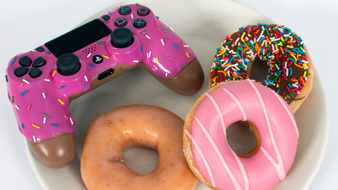 This Custom Donut DualShock 4 PS4 Controller Looks Good Enough to