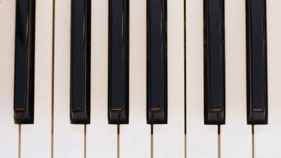 Panning Piano Keys Hmyjroxlg Thumbnail Full01