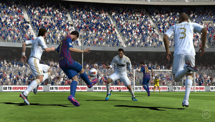 EA Sports FIFA Football Review - Screenshot 1 of 3