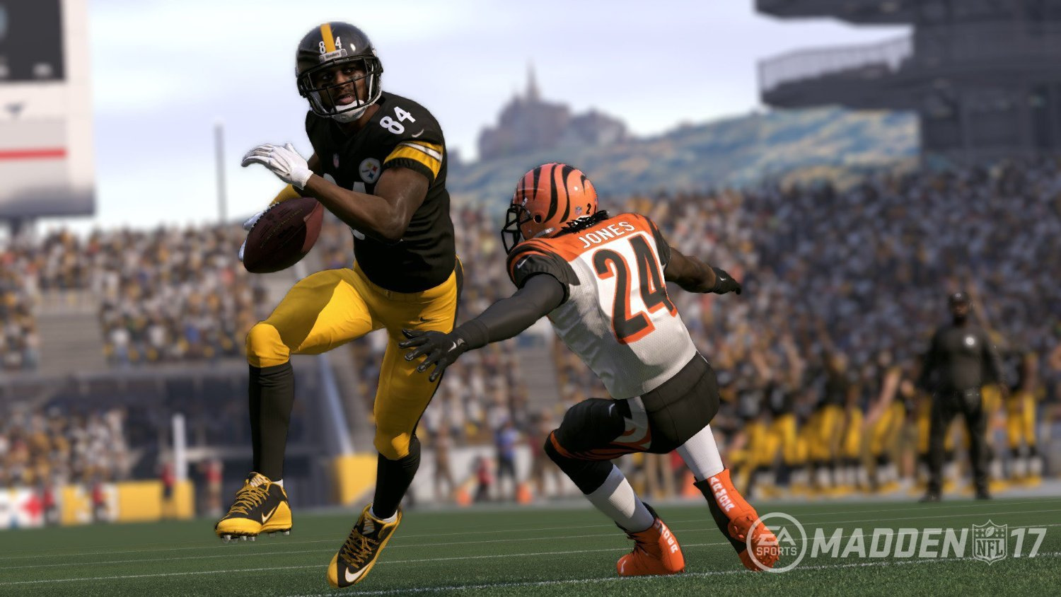 Madden NFL 17 Glitch Lets Players Score Touchdowns in a Hilarious Way